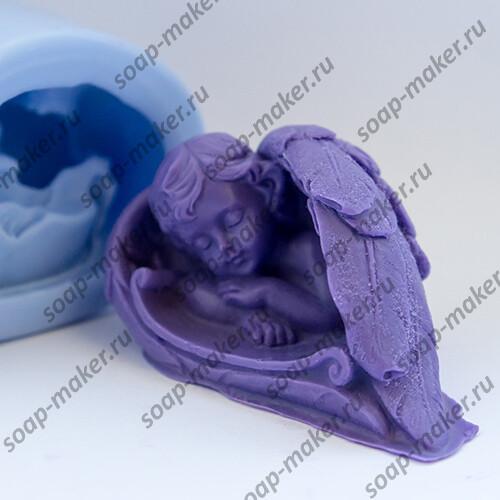 Малыш в крыльях 3D