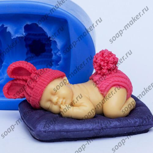 Малыш на подушке 3D