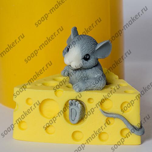 Мышонок в сыре