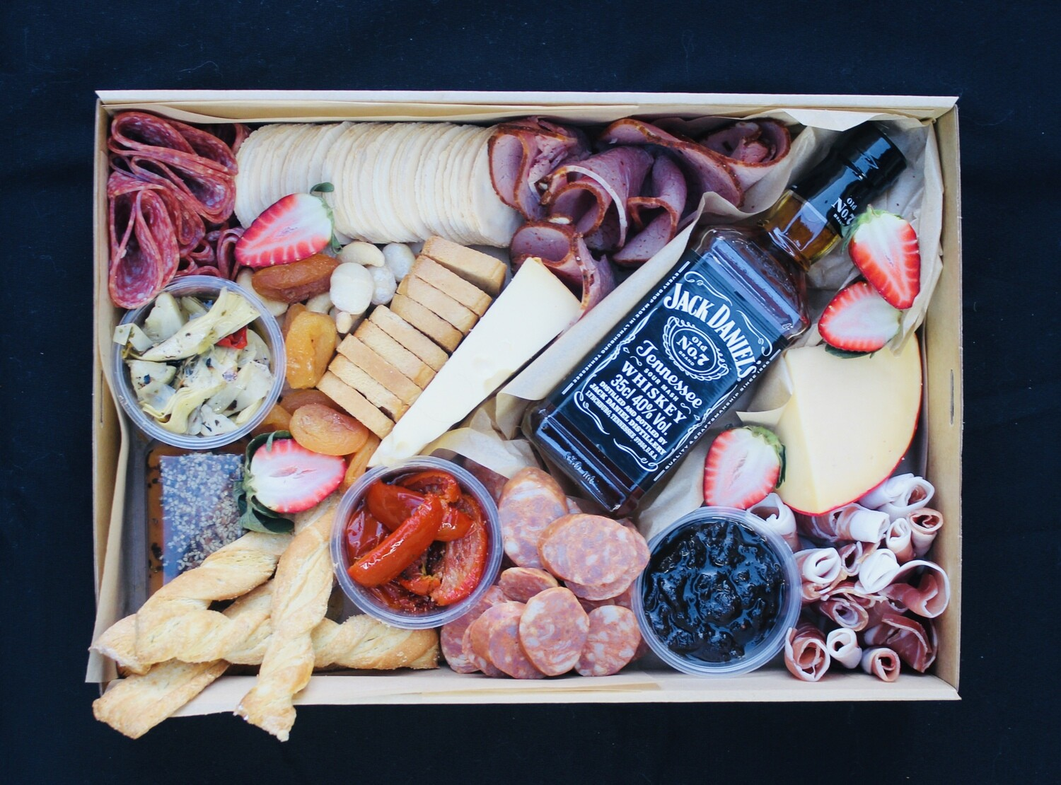 The Whisky Lover Grazing Box