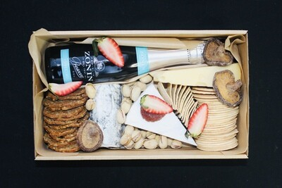 Bubbly and Cheese Grazing Box