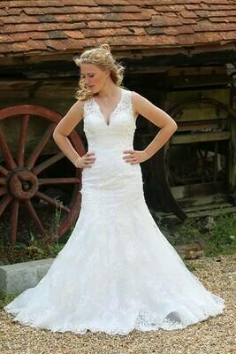 Roxanna   Lace Wedding Dress