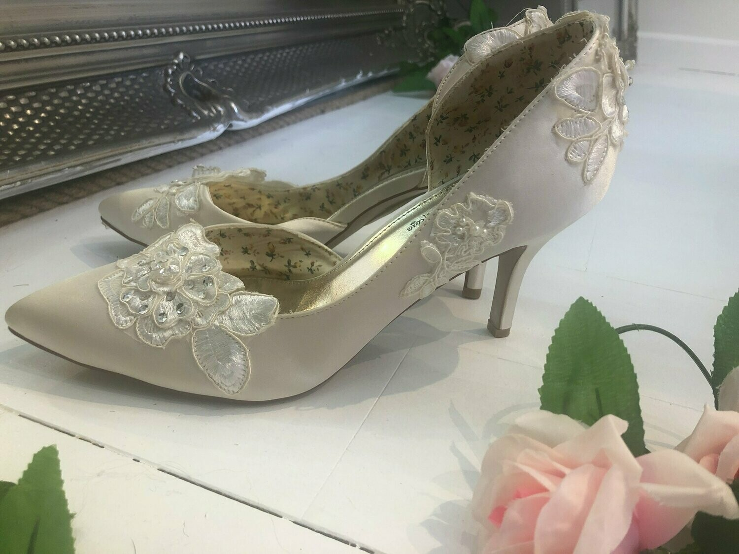 Ivory Satin & Lace Wedding Shoes | Style Annie | Size 41