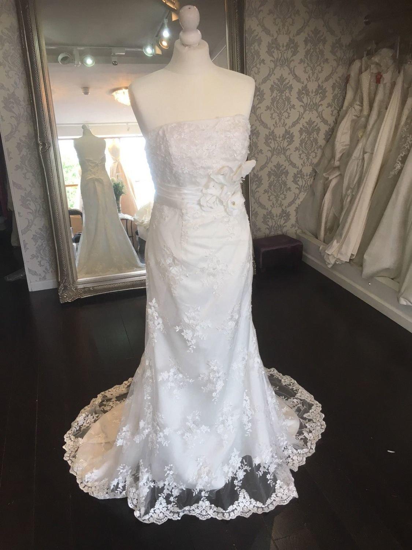 Italia Lace Wedding Dress Size 8-10