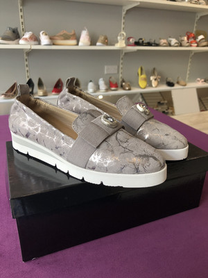 4548 Grey Leather Slip On With Bow Detail