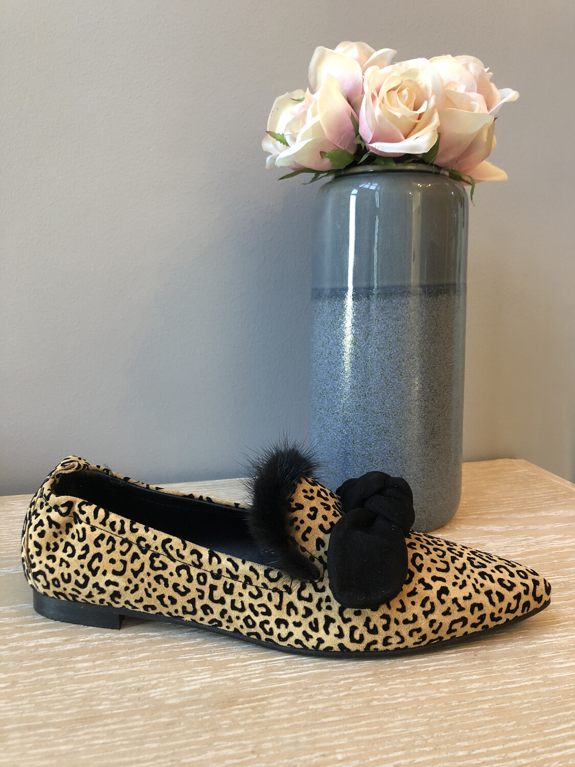 4936 Leopard Pointed Pump
