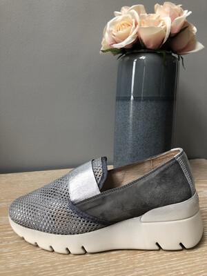 Roberto Grey/Silver Slip On