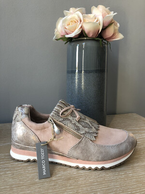 Rose Comb Trainer