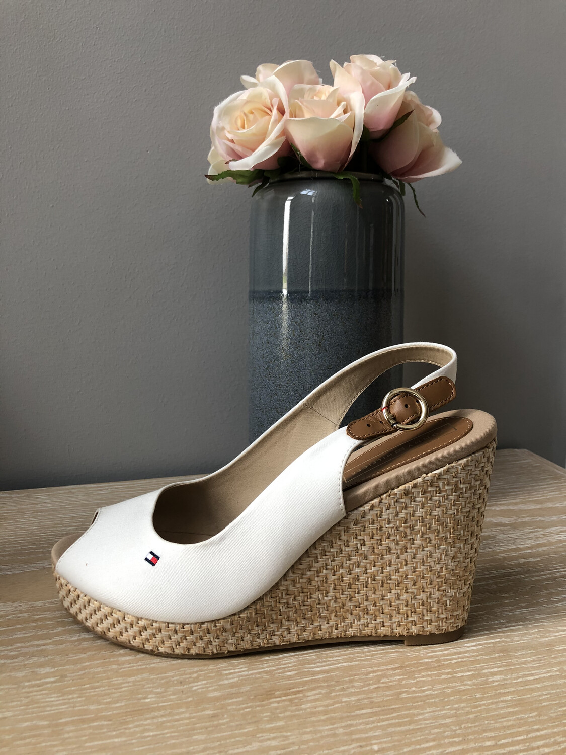 Whisper White Classic Tommy Wedge