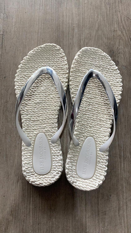 Cream With Metallic Silver Flip Flop