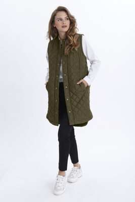 Kamaria Grape Leaf Long Quilted Gilet
