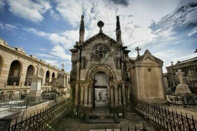 Poblenou + visita guiada al cementiri