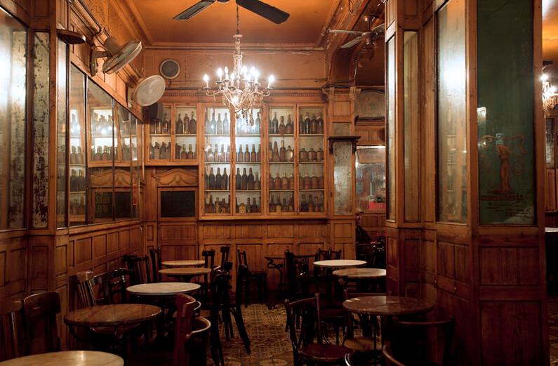 La Barcelona bohèmia i les tavernes modernistes