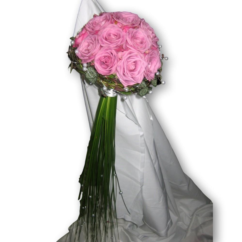 Brautstrauss Modern rund mit Rosen - rosa/pastell