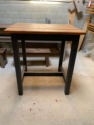 Rustic Prosecco Poseur Table