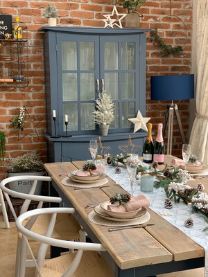 Prosecco Banqueting Dining Table & 4 Half Benches