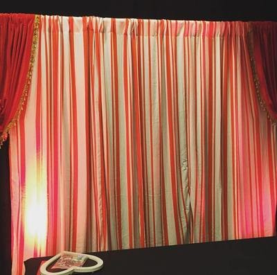 Drape - Red/White stripe