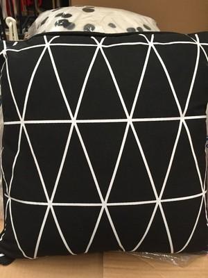 Cushions - Black/White reverse