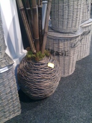 Large Willow Urn