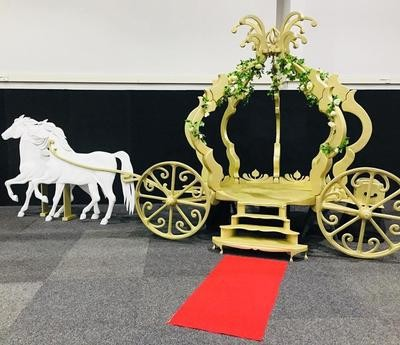 Cindarella Carriage - Gold with 2 horses