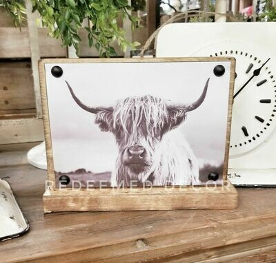 Highland Cow Sitter Sign - Maxwell