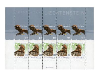 Лихтенштейн. EUROPA. Национальная птица. Беркут. Лист из 5 сцепок по 2 марок