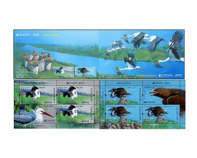 Молдавия. EUROPA. Национальные птицы. Белый аист и беркут. Буклет с 2 блоками по 3 марки и купону