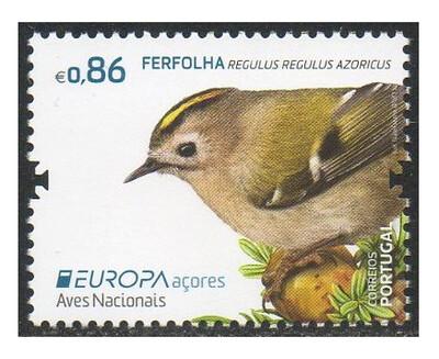 Азорские острова. EUROPA. Национальные птицы: жёлтоголовый королёк. Марка