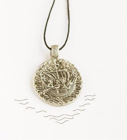 Медальон «Корабль спасения»