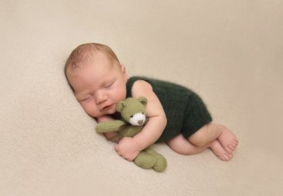 PREPAY & SAVE DEAL 2 - Newborn Session