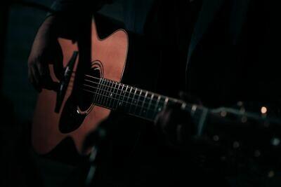 The Beginners Guide- Beginner Guitar Short Course