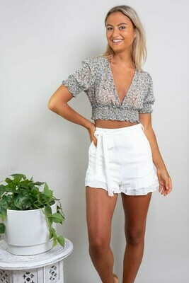 Sweet Heart Frill Shorts - White