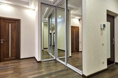 Двери-купе | Зеркало | Купе + распашная дверь