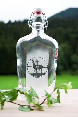 Schnapsflasche mit Hirsch
