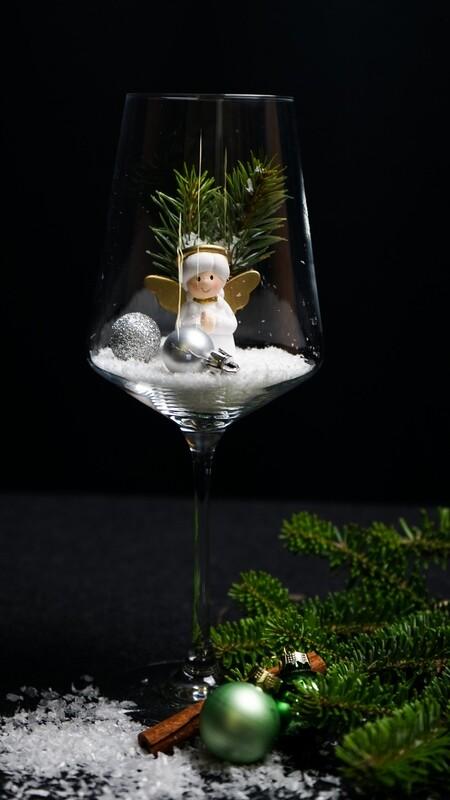 Weinglas mit Engel