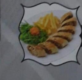 AL-NARJISE (Poulet) émincé de poulet mariné avec salade cornichon et sauce, frites