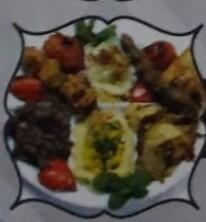 MIXED GRILL kafta, chichtaouk, chawarma, accompagné de riz et hommos