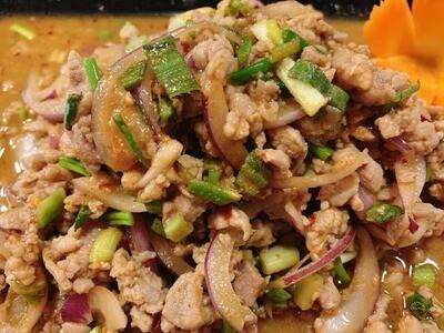 S1. Salade de porc haché / Spicy minced pork