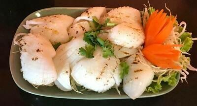 S8. Calamar grillé/ Grilled squid