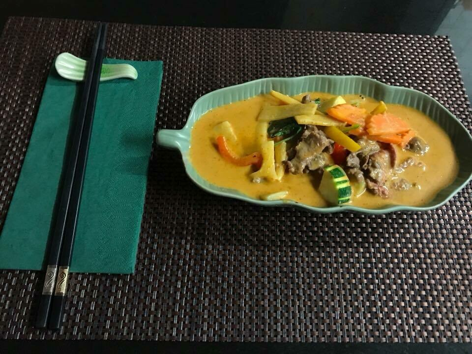 B7. Boeuf au curry panaeng./ Beef with panaeng curry