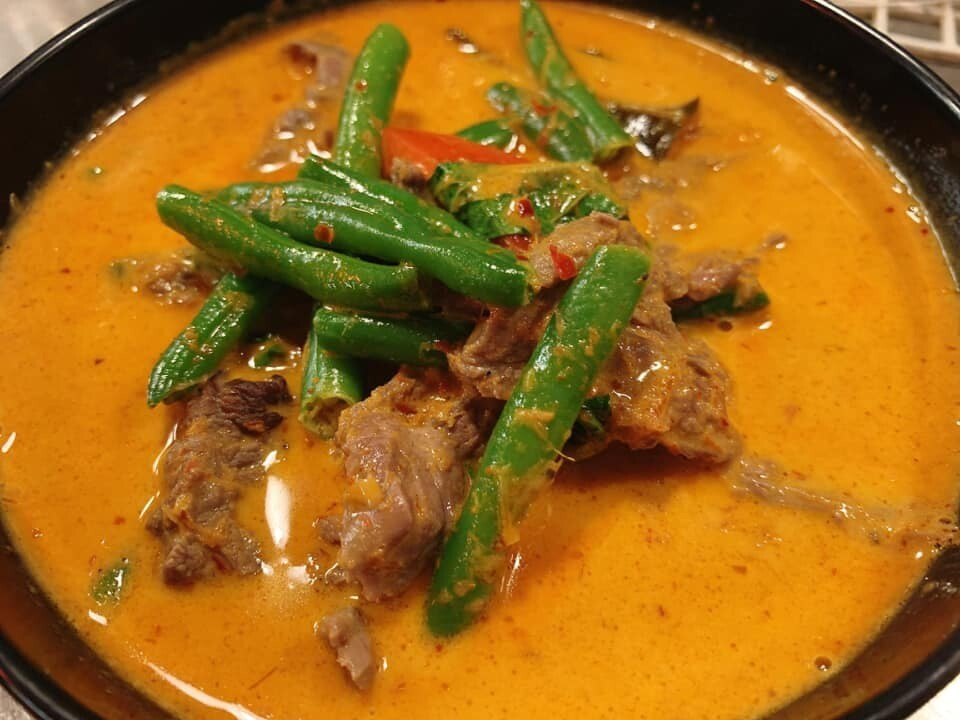 B6. Boeuf au curry rouge./ Beef with red curry