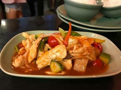 C10. Poulet au curry massaman/ Chicken with massaman curry