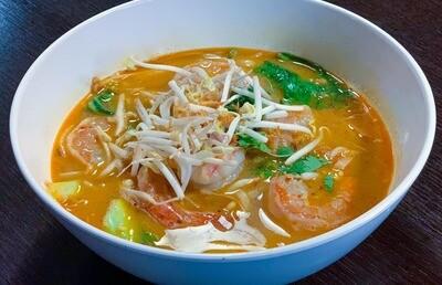 E6. Tom yam aux crevettes/ Shrimps tom yum
