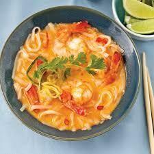 N4. Nouilles avec une sauce epaisse au crevettes /  Fried noodles with thick sauce shrimp