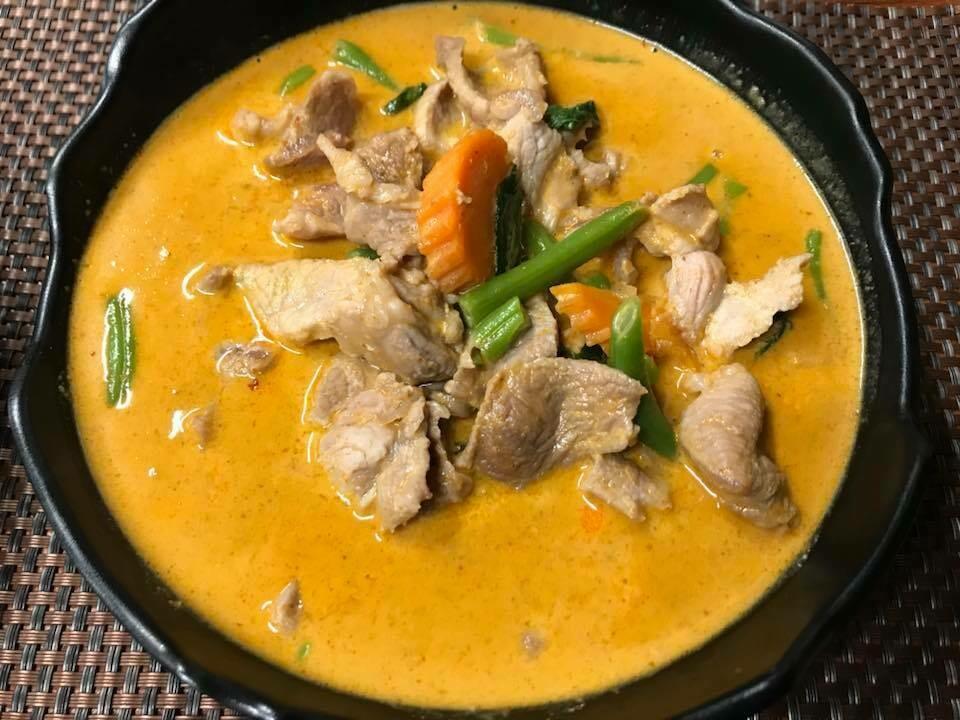 P8. Porc au curry panaeng/ Pork with panaeng curry