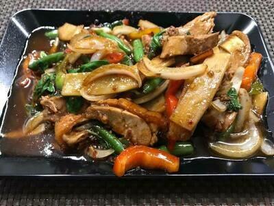 02. Canard sauté au basilic: Stir - fried duck with basil
