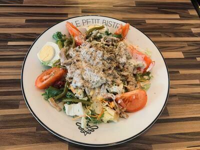 Salade de Poulet ( verte, tomate, maïs, carotte, poulet )