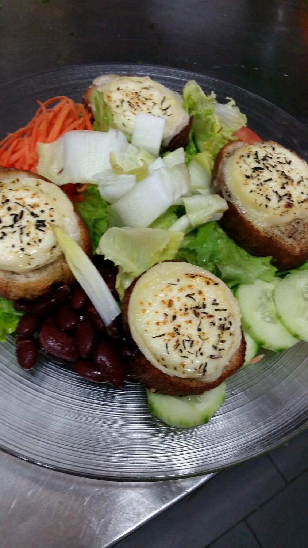 Salade Chèvre chaude