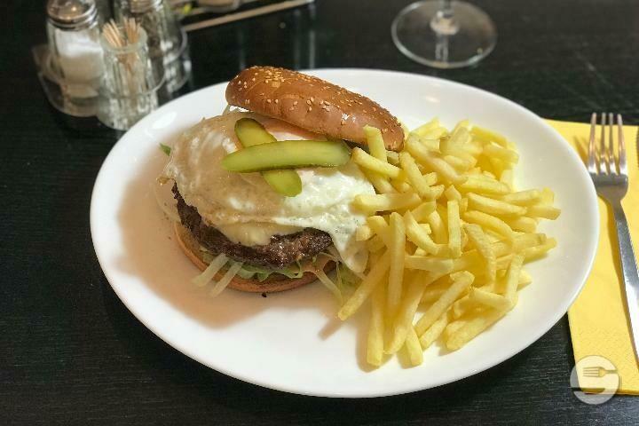 Cheeseburger royal