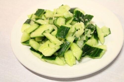 Salade aux Concombres